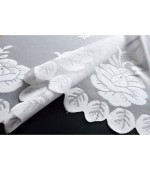 Дантелено готово перде на флорални мотиви в бял цвят с пришита ширит лента, височина от 145см и 245см. код-13140